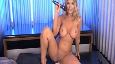 Anna Bailey private show